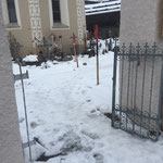 Friedhof einwintern, Tore abbauen
