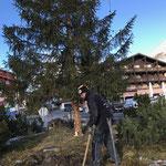 Hülse betonieren für Solarpanel Christbaumbeleuchtung Zürs Kreisverkehr