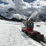 Holder Schneefräse, Flühenweg auffräsen