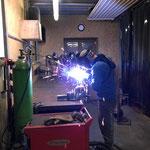 Reparaturschweißarbeiten Pflug Unimog 400