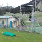 Netze montieren Fußballplatz