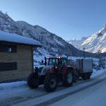 Traktor 6190 CVT und Hängerfräse Strass