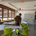 Neue Mittelschule, Montage neue Beleuchtung
