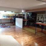 Heimatmuseum Feuerwehrhaus, Regale aufbauen für Ausstellungsstücke