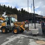 Gemeindezentrum, Hilfe bei der Einrichtung der Baustelle, Verlegung der L198