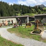 Rasenpflege am Friedhof