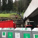 Nagelfreies Holz einfassen am Bauhof
