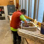 Schalung für Beton-Umrandung herstellen in der Tischlerei