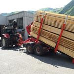 Schnittholz abladen am Bauhof