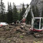 Pflanzgartenrückbau, Betonbeete entfernen