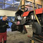 Schwimmbad Müll-Traktor Reparatur