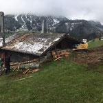 Abriss Dachstuhl und Holzverschalung Wasser-Hochbehälter Tannberg