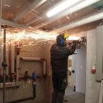 Türrahmen herausschneiden für neue Brandschutztüren Feuerwehrhaus