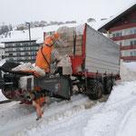 Schneeabkippen am Schlosskopfparkplatz