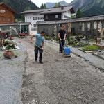 Vorarbeiten für Pflasterer Friedhofsweg