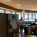 Kästen aufstellen Umzug Musikschule Postgarage -  Neue Mittelschule