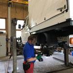 Bremsen reparieren VW-Plane