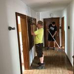 Gemeindewohnung nach Malarbeiten reinigen