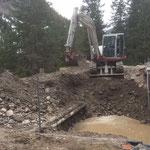 Aushub für Überlauftank am neuen Kinderbecken, Schwimmbad