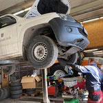 Service VW Amarok in der Werkstatt
