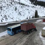 Unimog 530, Kettendemontage für Klärschlammtransport nach Lustenau