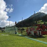 Fußballplatz Netze fertig aufhängen