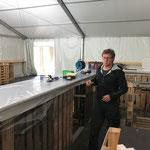 Mitarbeit beim Bar-Aufbau