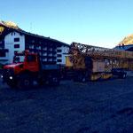 Drittleistung für Bergbahn Oberlech: Kran umstellen mit U1600