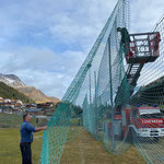 Netze abhängen Fußballplatz
