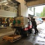 Fahrzeugpflege am Holder C2.42