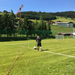 Fußballplatzlinien neu ausmessen und ziehen