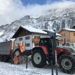 Hängerfräse bei der Bergbahn Oberlech