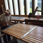 Sitzflächen für Betontröge Rüfiplatz reparieren