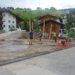 28. Mai: Ankunft Spielplatzmaterial...