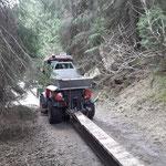 Eisenträger zum Stierlochbach transportieren, mit Holder C70 SC