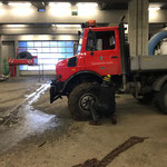 Kettenmontage am Unimog 1600
