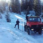 Schneestangen Winterwanderweg/Loipe setzen Spullerwald, mit U1600