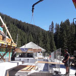 Sportbecken und Sprungturm Schalungen entfernen