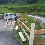 Spielplatz sport.park: Geländer montieren