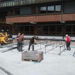 Aufbau Bühne Schulplatz