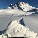 Schneeverwehungen Winterwanderweg Gaisbühel, mit PB Paana