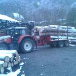 Rundholztransport zur Sägerei nach Dalaas