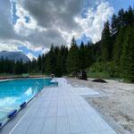 Waldbad Lech: Humusierungsarbeiten mit U1600 und Tandemhänger