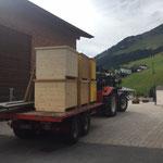 Philosophicum Lech - Aufbau, Anlieferung der Teppichboxen