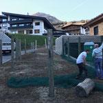 Skiabfahrt Tannberg, Netze hängen unter Mitwirkung vom Grundstückseigentümer