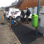 Asphaltierungsarbeiten Strass, Defekt Kabel Straßenbeleuchtung