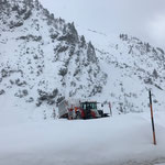 Schnee abkippen mit Hängerfräse und Steyr 6190 CVT