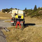 Unimog 400 mit Kanalreinigungsgerät, Drittleistung: Kanal Kriegeralpe spülen
