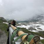 Grüner Ring: Tür-Transport und Montage am Rüfikopf