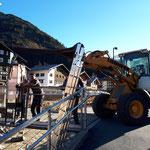 Beleuchtungsstelen nach Garantieaustausch wieder montieren, Kronenbrücke